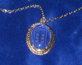 Doctor Who Etched Glass Tardis Prong Set Cabochon Pendant Necklace 24 inch