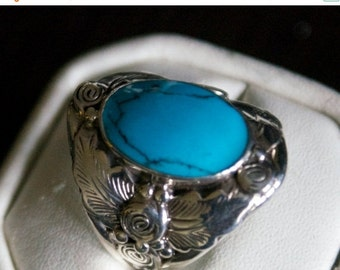 ON SALE Brilliant Turquoise Silver Ring