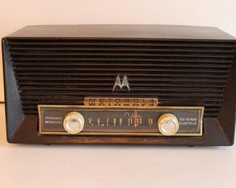 Brown Bakelite Motorola Golden Voice Radio