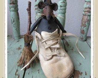 """Primitive mouse PATTERN """" Hilda the Witch Mouse"""""""