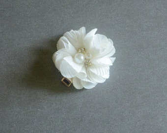 Ivory Baby girl Hair Clips, flower hair clips, baby hair clips, ivory, hair clips, flower, small flower