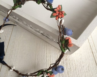 Flower wreath Dirndl Haarschmuck Oktoberfest headband berries in her hair open-air festivals