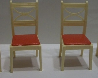 1950's Renwal K-63 4 Kitchen Table  Chairs Eggshell With Red Bottoms Dollhouse Furniture 2.75 In tall - For K-67 Stenciled Kittens Table