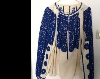 Exceptional, unique, beautiful Vintage traditional Romanian peasent blouse, handmade