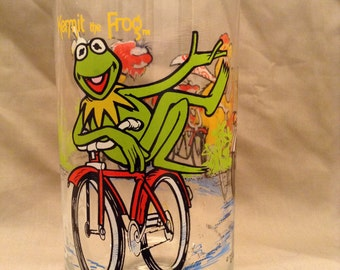 Kermit the Frog and Fozzie the Bear  - The Great Muppet Caper - 1981 Henson Associates Inc. Glass Tumbler from McDonald's 16oz