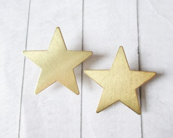 Gold star brooches Star pins Gold lapel pin Brass star brooch Sky Wedding Bridesmaids Bridal Gifts for her Women jewelry