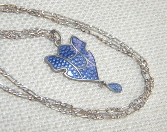 vintage Blue / Purple ENAMEL pendant necklace ~completed with silver chain ~ in939