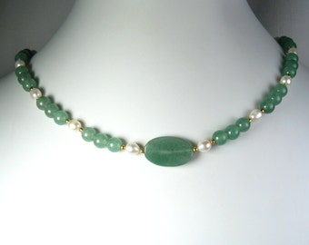 """Aventurine and Freshwater Pearl Necklace Gold 16"""""""