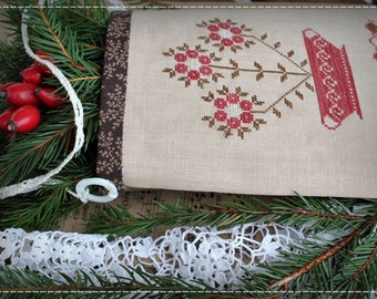 Christmas Flower - Primitive Sewing Pouch/ Cross stitch pattern