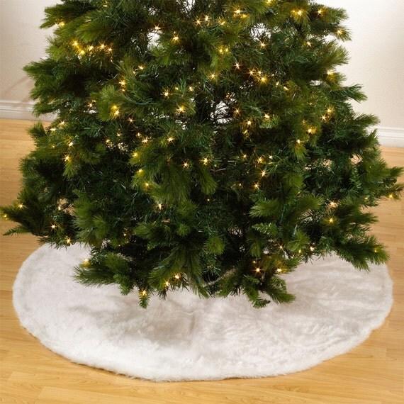 No l blanc faux fur design white holiday christmas tree skirt - Decoration noel blanc ...