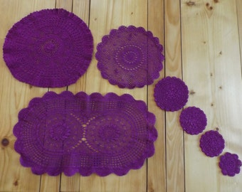 7 french placemats made hand of 1990 / placemats vintage tinted / Doilies crochet knit
