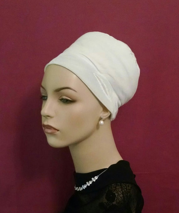 NEW** BOUBOU MOUSS volumizer in white