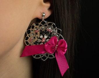 Pink ribbon crochet earrings