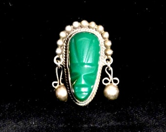 Mexican hardstone and sterling brooch-- exotic green face