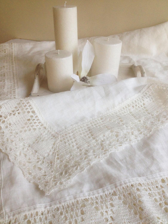 wei e leinen tischdecke mit breiten spitzen rand white. Black Bedroom Furniture Sets. Home Design Ideas