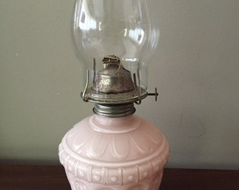 Vintage oil lamp, 1980's Kaadan, very pretty and feminine lamp.  Vintage decor item.