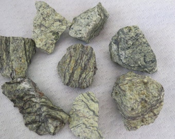 Serpentine, Raw Serpentine, Serpentine Rough, Serpentinite