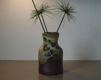 Bottle shaped landscape vase