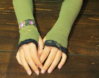 Green jersey fingerless gloves for women//OOAK gift idea//handmade and hand-painted// Made in Italy
