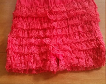 LIPSTICK RED BLOOMERS