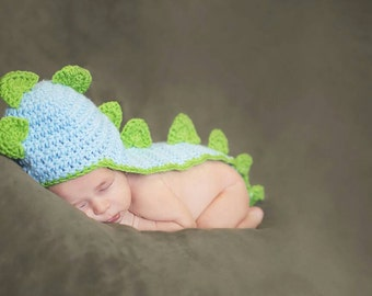 Crochet Baby Outfit - Baby Dinosaur - Baby Shower Gift - Birth Announcement - Crochet Photo Prop - Newborn Photography - Newborn Dino Outfit