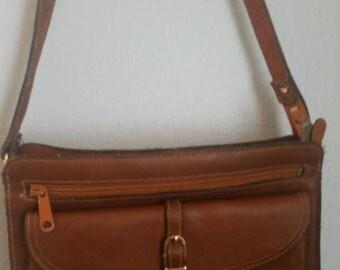 D' Amigo tan genuine leather shoulder bag