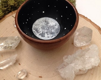 Mini Full-Moon Wooden Offering Bowl