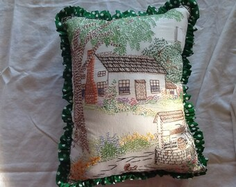 Cottage pillow