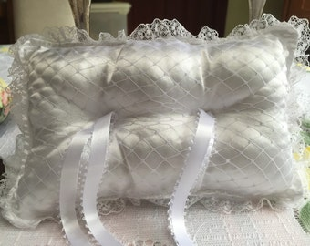 White Wedding Ring Bearer Pillow, Ring Bearer Pillow, Ring Cushion, Wedding Pillow, Handmade