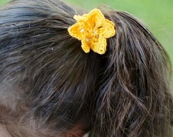 Crochet thread flower ponytail holder