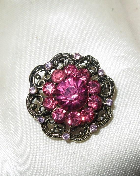 Beautiful dainty vintage styled pink rhinestone brooch