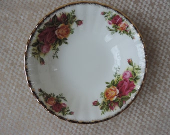 Six Royal Albert Old Country  Roses Dessert/Fruit Bowls Vintage 1962