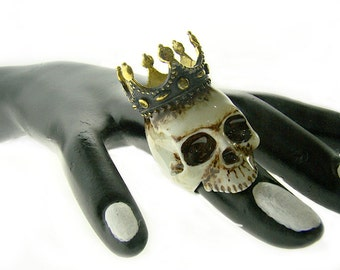 Realistic king and crown Skull ring in brass with painting enamel ,Rocker jewelry ,Skull jewelry,Biker jewelry