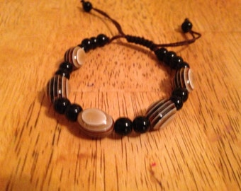 Onyx and agate adjustable bracelet