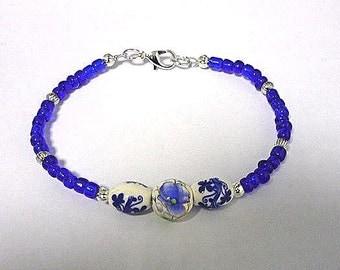 Matreshka Bracelet, blue bracelet, blue and white bracelet, seedbead bracelet, beaded bracelet, minimalist bracelet, minimal bracelet