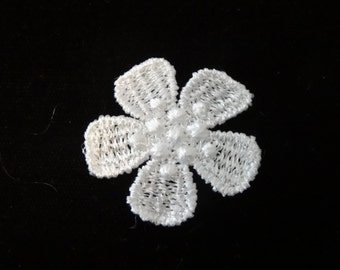 Small Flower Venise Lace - Lot of 24