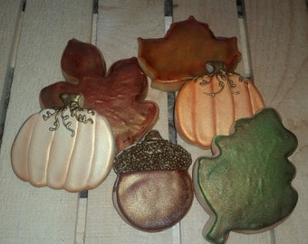Fall Pumpkins, Acorns and Leaves