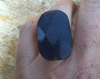 Vintage retro black oval adjustable ring