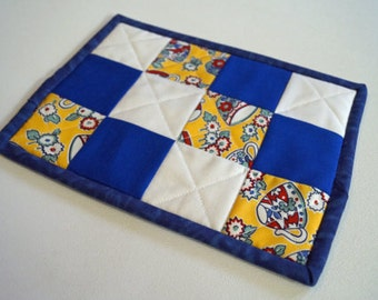 Retro Style Pocket Quilted Pot Holder, Patchwork Potholder in Red and Blue Fabrics CLEARANCE SALE
