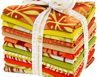 Fat Quarter Bundle in Saffron Colorway from Marks Quilt Fabric Collection by Valori Wells