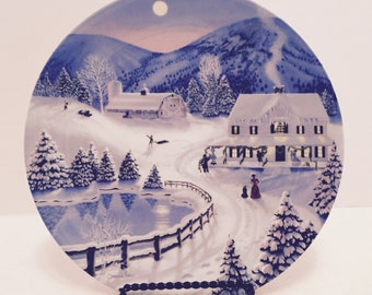 """1991 W.S. George Collector Plate """"Deck the Halls"""""""