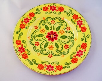 "Hand-Painted One-of-a-Kind Black/Yellow Ceramic Decorative Floral 8.5"" Plate"
