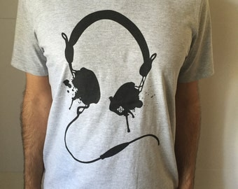 Bass Headphone Men's Tee | Trendy Tshirt | Music Festival Clothing | Mens Graphic Tee | Mens Tshirt | Mens Gifts | Music T Shirt | Headphone