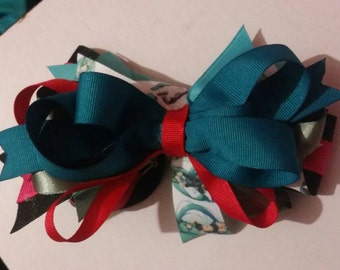 Hatsune Miku inspired big loopy stacked bow