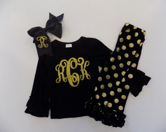 Gold dot leggings outfit