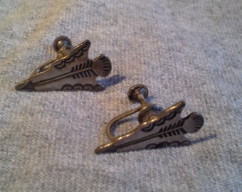 Silver Arrow Earrings - Vintage