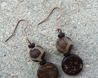 Drop earrings and necklace set