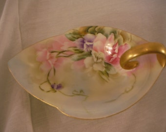 RS Prussia Leaf Candy Dish with handle