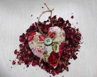 Rose heart, fragranced heart, rose, Rose Scented sachet, floral print, scented sachets, scented sachets in heart-shaped, scented sachets with rose petals