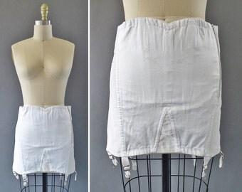 60s The Sweetheart Girdle- 1960s White w Embroidery Open Girdle w Suspenders -Side Zipper w Light Boning Girdle Garter by Warner's Le Gant